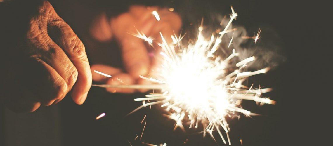 sparks-407702_1280